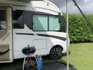 Zeer complete en luxe familie camper