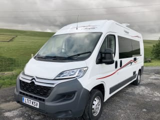 LT17 – 4 Berth Campervan/Motohome - fully equipped for your next Adventure