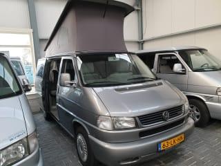 VW T4 California x, 4 slaap- 4 zitplaatsen