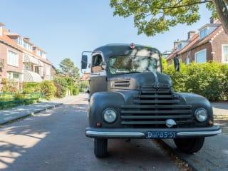 Ford Keulen – Loungen en overnachten in een oldtimer