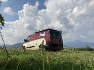 Furghi – Van Camperizzato con Deck abitabile