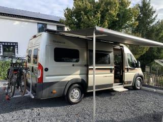 Pössl Globecar Campscout – Prachtige buscamper met fijne en praktische indeling.