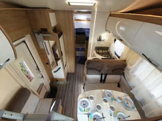 Luxury camper for a family or two couples