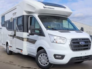"""Cocoon 468 – New """"2021"""" 4-person Cocoon 468: the comfort of home, even on the road"""