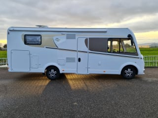 Luxe integraal camper – Nieuwe carado integraal camper met automaat