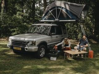 ARVIK – Avontuur & vrijheid met een Land Rover met daktent!
