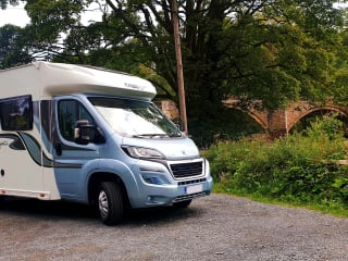 Beauitful, Modern, Stylish 4 Berth Motorhome for Hire!