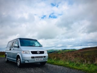 Jimmy Twist – VW T5 LWB Campervan