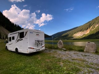 Luxe camper  – Mc Louis Sovereign 473...2020!