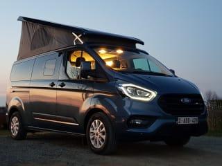 Magicvan: Ford Nugget+, voor 4 personen