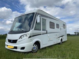 Knaus – Luxe KNAUSS, zelfvoorziend, lengte bedden, 2x airco, solar, XXL garage.