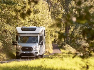 Chloe – Luxuary 4 berth  automatic motorhome with Island bed