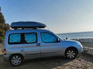 Bonnie – Citroen Berlingo Multispace Mini Campervan