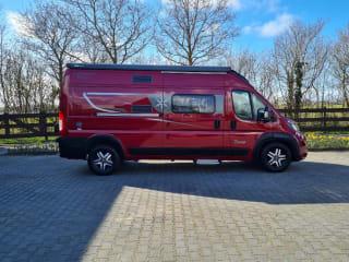 Karmann Davis 590 – Sjieke, luxe camperbus met 2-persoonsbed, navi, trekhaak etc.