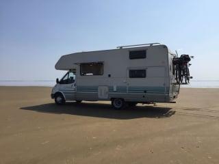 ruime camper – Avontuurlijke ruime camper vzv sanitair, geschikt voor gezin met kinderen