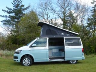 Skye – Luxury Two Tone VW Campervan