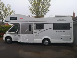 Luxury 746 Motorhome hire for your #Staycation
