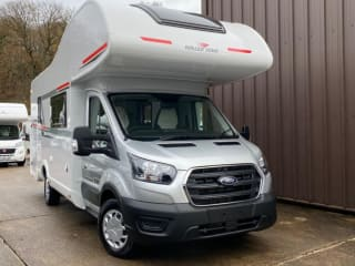 Luxury 690 Motorhome hire for your #Staycation