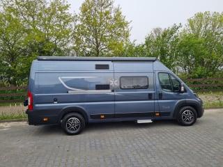 Karmann Davis  620 – Sjieke camperbus automaat met enkele bedden, navi etc.