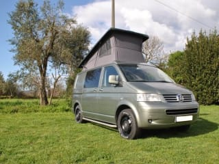 Volkswagen motorhome 4x4   4 persons   Fly and Drive - Portugal, Lisbon