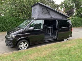The Traveller – The Black Traveller VW T6 4 berth Campervan - Automatic