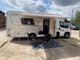 Luxury 4 Sleeper Motorhome,   Pick Up Junction 31 M1 Sheffield