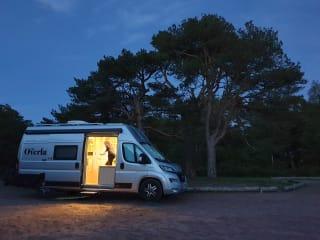 Barney – Perfect getaway van - no bed set up required