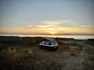 Leon – VW T4 Campervan