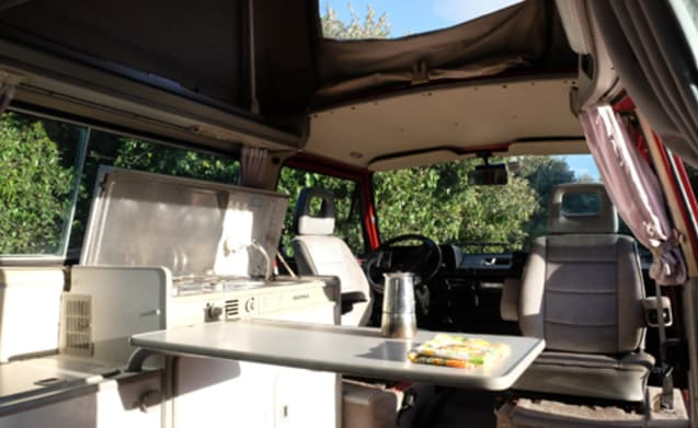 Baingio – Volkswagen T3 with Westfalia equipment for your holidays in Sardinia