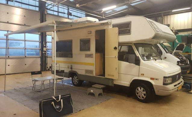 Fully equipped family camper with fine outdoor kitchen - Fiat Ducato