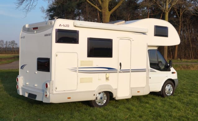 Fancy a fantastic holiday? Then book our camper with extra large bed!