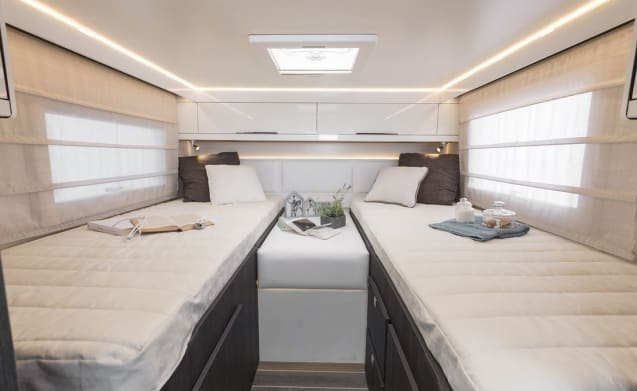 Roller Team Granduca 284 M – Up to 30% off, luxury mobile home