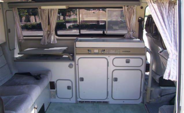 "Frank – T3 California Westfalia vintage Campervan 1.6 TD ""1990"""