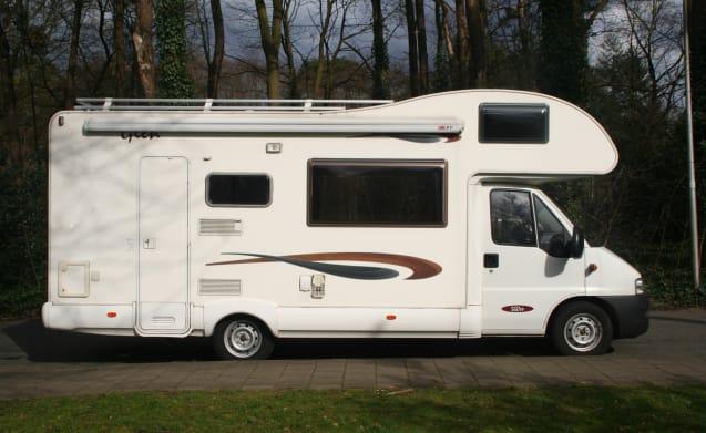McLOUIS Glen 560 – McLOUIS Glen 560 camper with 7 sleeping places