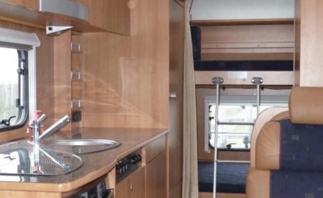 Dethleffs A5881 – Luxe 6-persoons Dethleffs camper 2x Airco, Navi, stapelbed