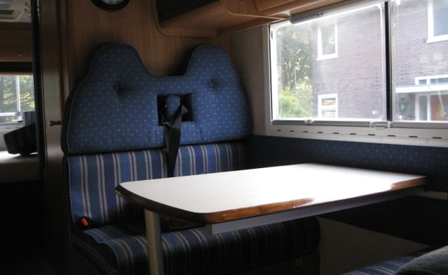 FamCamper – FamCamper is fun, convenient, cozy, safe and perfect for family (5 persons)