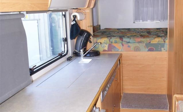KNAUS TRAVELLER 685HFG – Luxurious and spacious 6-person camper