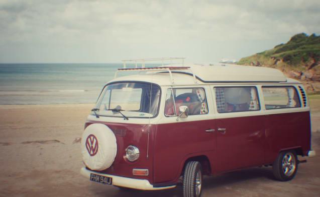 Ruby – Ruby de klassieke vroege erker campervan