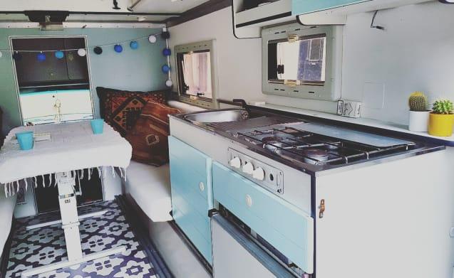 Dodgie – Spezielle Vintage Dodge-w200 Ambulanz Camper