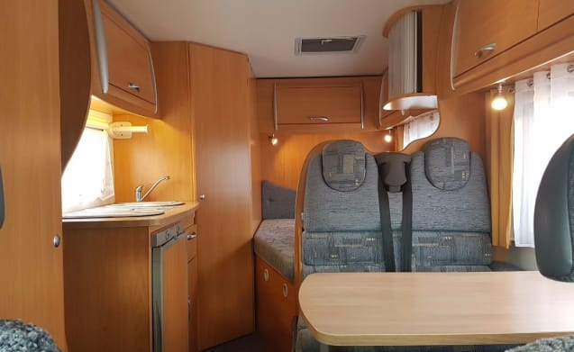 Are you looking for a great vacation? Then book our camper!