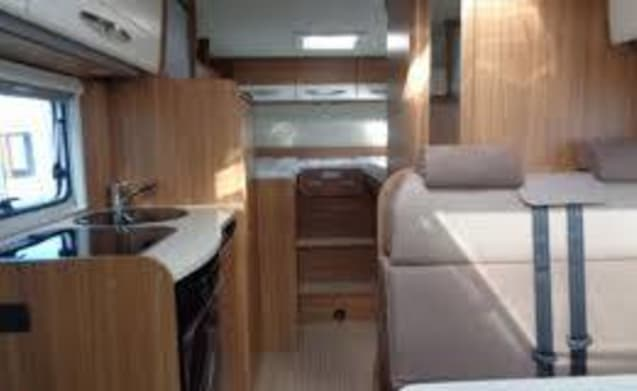 Carado T337 BJ 2019 with one press. beds