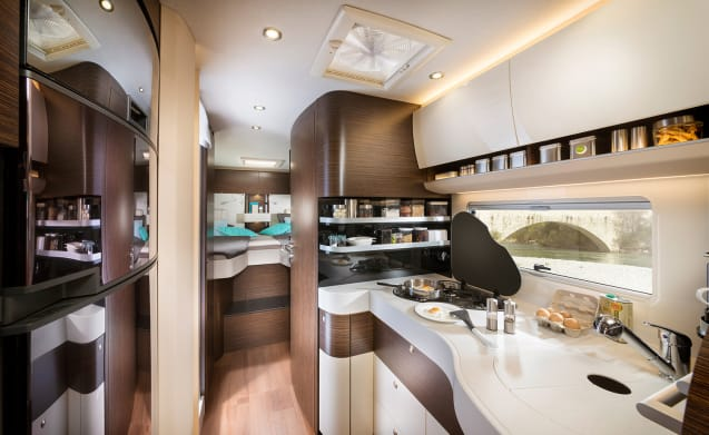 Concorde Credo 791L – C driving license. Very luxurious new integral camper