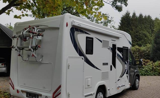 Compacte 2 tot 3 persoons camper – A01 - Chausson 610 compatta