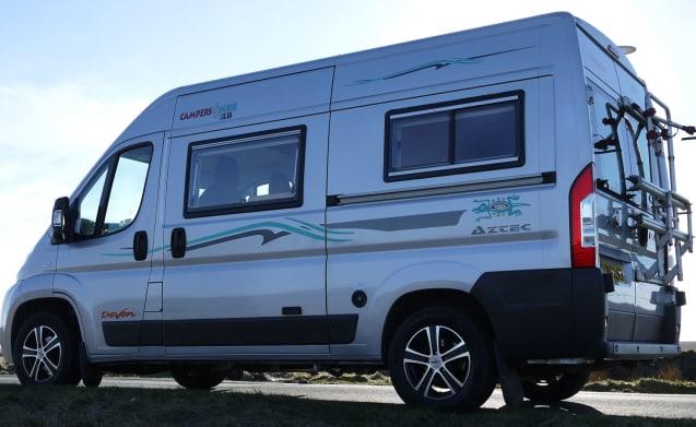 Devon Aztec MWB Zwei Bett Camper Van