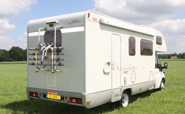 Rimor NG 6 – Rimor NG 6 camper with double bunks 7
