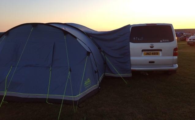 Pembs Campervan – VW Camper in Pembrokeshire conversione impressionante.