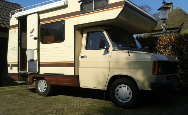 Cute Retro 80's Ford transit MK2 camper