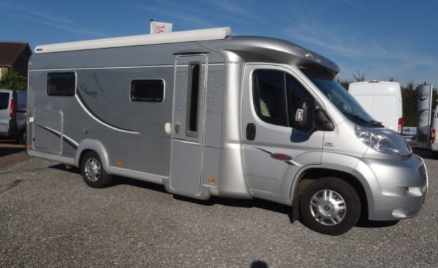 Motorhome hire LMC and enjoy limitless freedom and comfort!