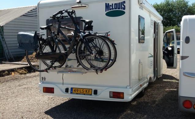 Leuke Camper huren, extra's o.a. fietsenrek