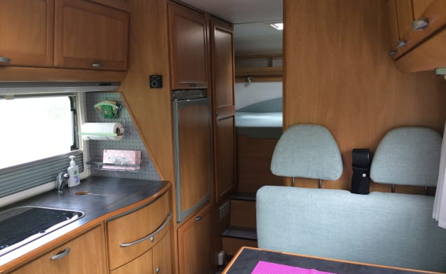Hymer B644G – Newly furnished in 2017 hymer 644